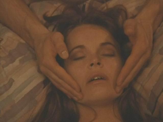 Кадры из фильма Эротический массаж .