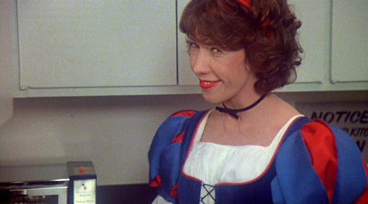 a summary of the movie nine to five This musical, based on the movie of the same name, was created by star dolly parton and the film's original screenwriter, patricia resnick story: co-workers violet, judy, and doralee form a strong female triumvirate through their mutual dissatisfaction with workplace conditions and especially.